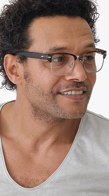 Harvard (Tortoiseshell) Retro Reading Glasses - Thumbnail Model Image